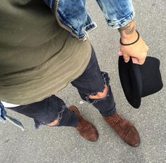 Ripped Jeans and Chelsea Boots @juleswearsit on Instagram