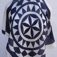 Echarpes, foulards, étoles ,paréos, en soie par ToutensoieCreations. Soie  PeinteUn Grand MarchéCravateEcharpeNoir ... 1dce2797bf4