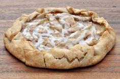 Cinnamon Apple Dessert Pizza