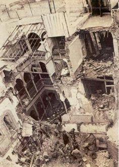 Alger le 8 octobre 1957  l'étendue du désastre au coeur de la Casbah  perpétré par l'armée française .ni  Ali la Pointe , ni Hassiba Benbouali, ni Mahmoud, ni Petit-Omar n'ont pu s'echapper de ce massacre