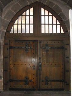doors at church in nurnberg