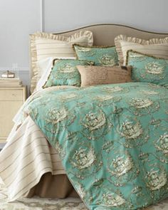 French Country Bedding for relaxed traditional elegance.