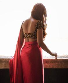 Beautiful Girl Indian, Beautiful Girl Image, Beautiful Saree, Korean Beauty Girls, Beauty Full Girl, Beauty Women, Designer Blouse Patterns, Blouse Designs, Indian Girls Images