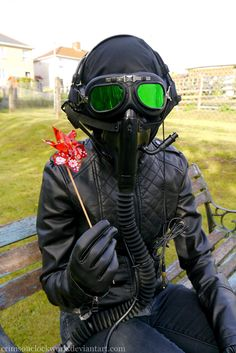 romantically apocalyptic pilot cosplay Best Cosplay Ever, Gas Masks, Emo Girls, Conspiracy Theories, Pilot, Erotic, Waves, Military, Geek