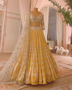 Party Wear Indian Dresses, Indian Gowns Dresses, Indian Bridal Outfits, Dress Indian Style, Indian Fashion Dresses, Indian Designer Outfits, Indian Wedding Gowns, Designer Dresses, Wedding Lehenga Designs