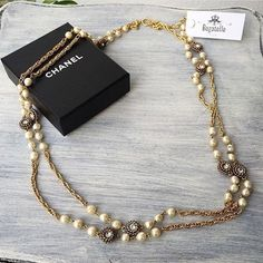 #Chanel Gold Pearl Double Chain Necklace Condition: Excellent (with box/dustbag) Price: AED 2,900  #bagatelleboutique #bagatellechanel #chanel #accessories #authentic #original #mydubai #ootd #necklace #chanelpearls #shopping #brooch #chanelnecklace #fashion #ootd #preloved #دبي#شانيل#أصلي Folow @fashionbookface   Folow @salevenue   Folow @iphonealiexpress   ________________________________  @channingtatum @voguemagazine @shawnmendes @laudyacynthiabella @elliegoulding @britneyspears…