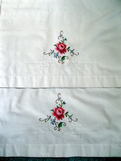 Vintage Pillowcase Set Bedding Rose Cross by mailordervintage