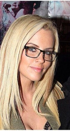 Trendy glasses frames for blondes summer 47 Ideas Glasses For Oval Faces, Glasses Frames Trendy, Eyeglasses Frames For Women, Cute Glasses, New Glasses, Blonde With Glasses, Girls With Glasses, Best Eyeglass Frames, Best Eyeglasses