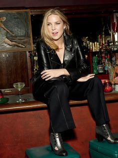 Diana Krall, Jazz and Blues singer Jazz Artists, Jazz Musicians, Music Artists, Diana Krall, All About Jazz, Music Pics, Music Stuff, Cool Jazz, Women In Music
