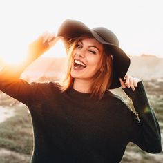 Hack your happy chemicals: 11 surprising ways to get your brain to release endorphins, serotonin and dopamine Cupid Dating, Love Sites, Friendzone, Dating Site In Usa, Find A Date, Online Dating Websites, Still Single, I'm Single, Dating Women