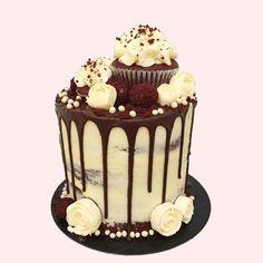 New! The Lady in Red Velvet Cake with Cupcakes #redvelvet