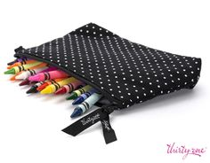 Do you have little artists who love to color? Keep their crayons close by in the Thirty-One Gifts Canada Mini Zipper Pouch for instant coloring book fun. Thirty One Uses, Thirty One Fall, Thirty One Gifts, Thirty One Organization, Office Organization, Organizing, Thirty One Business, Thirty One Consultant, 31 Gifts
