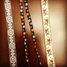 #incirboncuk 💐iyi bayramlar 🌺🌺#miyukibileklik #elemegi #istanbul #hediye #ethnic #bileklik #elyapımı #tasarim #kisiyeozel #cicek #peyote #bracelet # isteyinyapalım #peyote # Loom Bracelet Patterns, Seed Bead Patterns, Peyote Patterns, Beading Patterns, Beaded Hat Bands, Beaded Braclets, Bead Loom Bracelets, Pony Bead Crafts, Tear