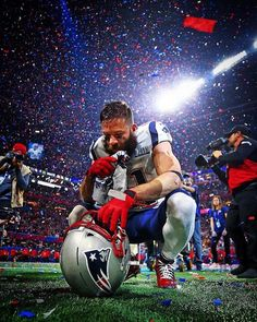 Patriots wide receiver Julian Edelman takes in the moment after winning Super Bowl LIII. Edelman was also named the game's MVP. Patriots Football Team, Patriots Fans, Football Art, New England Patriots Players, Football Things, Football Jokes, Football Season, Football Players, Julian Edelman
