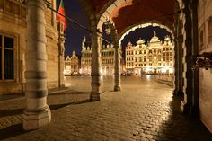 The Grand Place is classified as one of UNESCO World Heritage Sites. What are you waiting to come and visit Brussels?