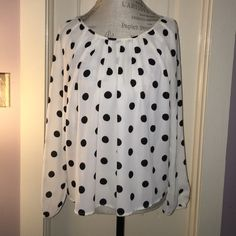 Polka dot blouse White blouse with black polka dots from forever 21 Forever 21 Tops Blouses