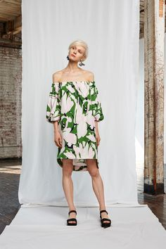 Whit Spring Summer 2016 Look 4 on Moda Operandi Spring Summer 2016, Summer Looks, Dress To Impress, Ready To Wear, Fashion Show, Style Inspiration, How To Wear, Dresses, Ss16