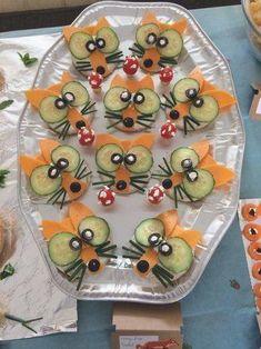 Garnish simple cucumber flowers – party food id – Food Carving Ideas Einfache Gurkenblüten garnieren – party food idea's – Garnish simple cucumber flowers – party food idea's – … Bug Snacks, Snacks Für Party, School Snacks, Healthy Snacks, Holiday Snacks, Veggie Quinoa Bowl, Quinoa Rice, Food Art For Kids, Food Kids