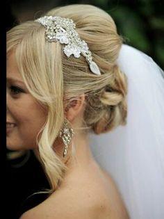 """Un' alternativa al velo da sposa e agli ormai """"obsoleti"""" fiori nell'acconciatura ti propongo di seguito diversi gioiello/copricapi davvero romantico!"""