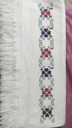 Butterfly Cross Stitch, Cross Stitch Art, Cross Stitch Borders, Cross Stitch Flowers, Cross Stitch Designs, Cross Stitch Patterns, Embroidery Flowers Pattern, Hand Embroidery Stitches, Cross Stitch Embroidery