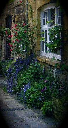 Chipping Campden, Lygon Arms Alley,  by AGA~mum