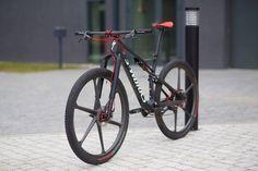 serie bikes notaveis - Specialized Epic Sworks com rodas de carbono_5
