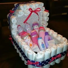 Baby Shower Gift Ideas ~ Diaper Carriage and Diaper Babies! Regalo Baby Shower, Baby Shower Crafts, Baby Shower Diapers, Baby Shower Fun, Baby Crafts, Baby Shower Parties, Baby Shower Themes, Baby Shower Decorations, Baby Boy Shower