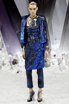 Olympian Blue + Superposiciones: Chanel  - Pasarela
