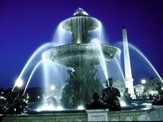size: Photographic Print: Fountains and Century Egyptian Obelisk in the Place de La Concorde, Paris by Alfred Eisenstaedt : Artists