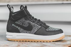 Nike Air Force 1 Mid Flyknit