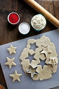 Frosted Holiday Star Sugar Cookies | FamilyFreshCooking.com