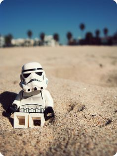 https://flic.kr/p/7hia9q | Beachtrooper | I've been in California for the past few weeks, and it wouldn't have been proper for me to go without taking a Lego stormtrooper with me.  This was taken on Venice Beach, a short walk from Santa Monica where I was staying at the time.  I have taken quite a few photos over the past two weeks, so forgive the next few non-Lego photos I will be posting :-)  If you're interested, you can see some of my more snapshotty photos here.