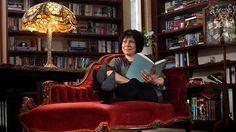 Australian author Stephanie Laurens at her home in Macedon. Romance Authors, Romance Books, Stephanie Laurens, Lauren's Latest, Australian Authors, Happy Reading, Bibliophile, Libraries, Bookshelves