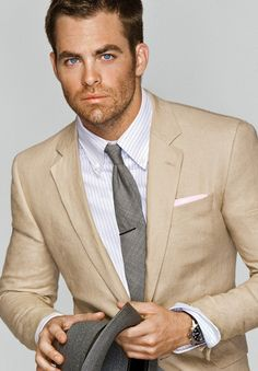 Chris Pine looking sexy in a suit and of course those beautiful blue eyes!