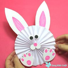 Learn how to make this Concertina Paper Bunny with 6 easy steps. This craft idea is perfect for pre-schoolers and younger children. Easter Arts And Crafts, Easy Toddler Crafts, Bunny Crafts, Easter Crafts For Kids, Spring Crafts, Preschool Crafts, Halloween Crafts, Holiday Crafts, Paper Bunny