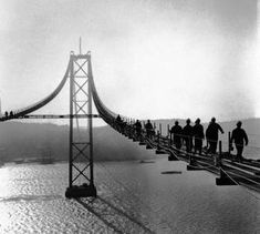 Lisbon Tejo Bridge under construction Old Pictures, Old Photos, Nostalgic Pictures, Visit Portugal, Historical Photos, Nature Photography, Beautiful Places, Around The Worlds, Travel