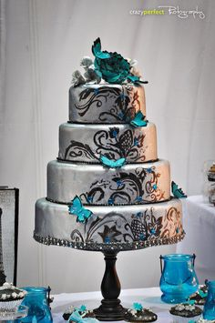Silver and teal - Cake by MsTreatz