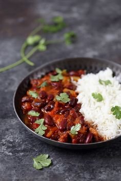 Vegetarian Recipes 78474 Chili sin carne (vegetarian) - A sun lunch Vegetarian Dishes Healthy, Vegetarian Chili Crock Pot, Clean Eating Vegetarian, Easy Vegetarian Dinner, Vegetarian Meals For Kids, High Protein Vegetarian Recipes, Easy Healthy Recipes, Chili Vegan, Vegan Recipes
