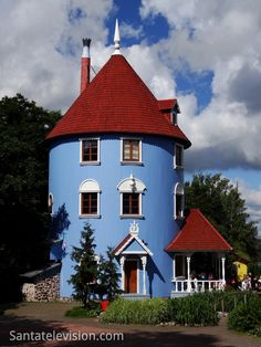 Europe Video Productions travel photo: Moominworld themepark in Naantali Finland - land of Finnish Moomin characters: Moomin World picture Helsinki, Places Around The World, Oh The Places You'll Go, Lappland, Silo House, Photo Voyage, Finland Travel, Old Mansions, Dome House