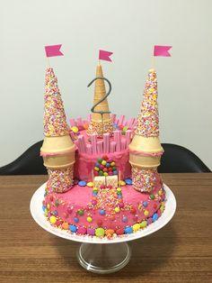 Princess Castle Cake - # Prinzessin # Schranktorte - What About Birthday Cakes Girls Kids, Castle Birthday Cakes, Barbie Birthday, First Birthday Cakes, Castle Cakes, Birthday Ideas, Princess Birthday Cakes, 5th Birthday, Easy Castle Cake