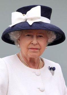 Queen Elizabeth, June 29, 2010 in Angela Kelly | Royal Hats