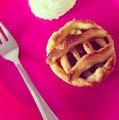 Snelle, kleine appeltaartjes. Handig voor als je een keer in je eentje of met z'n tweetjes zelfgemaakte appeltaart wilt eten