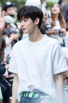 my hubby is handsome! Pretty Boys, Cute Boys, Cha Eunwoo Astro, Astro Wallpaper, Lee Dong Min, Park Bo Gum, Pre Debut, Kdrama Actors, Sanha