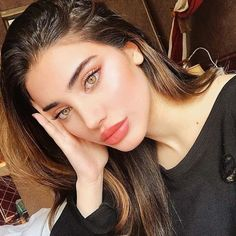 Helpful Eye makeup looks! Beautiful Eye Makeup Designs - Make-up Beautiful Eye Makeup, Simple Eye Makeup, Makeup For Green Eyes, Natural Makeup Looks, Beautiful Eyes, Beauty Makeup, Face Makeup, Hair Beauty, Brunette Beauty