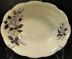 "Royal Albert Queen's Messenger Oval Vegetable Serving Bowl 9 1/4"" EXCELLENT #RoyalAlbert"