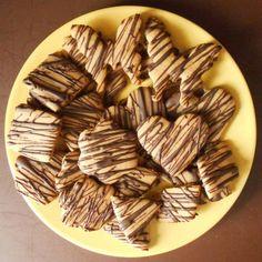 Μπισκότα βουτύρου χωρίς βούτυρο και ζάχαρη - Miss Healthy Living Healthy Cookies, Almond, Yummy Food, Candy, Chocolate, Recipes, Delicious Food, Healthy Biscuits