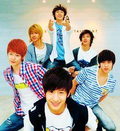 Too cute! Love them! #kpop #boyfriend