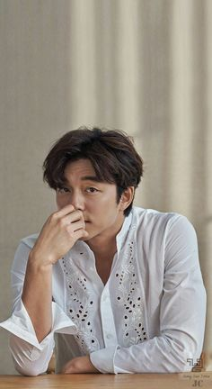 Gong Yoo - Harper's Bazaar China - February 2018 baju kokony bagus . Busan, Asian Actors, Korean Actors, Goblin Korean Drama, Goblin Gong Yoo, Yoo Gong, Coffee Prince, Goong, Lee Dong Wook