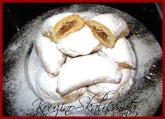 Ένα νόστιμο παραδοσιακό Χριστουγεννιάτικο γλυκάκι που μοιάζει με γεμιστό κουραμπιέ. Λατρεμένη η γεύση του, συνδεδεμένη με υπέροχες αναμνή...