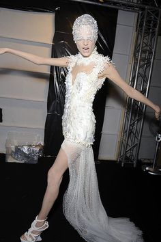 Not only is this Alexander McQueen dress very very pretty but this model's pose cracks me up...win win.